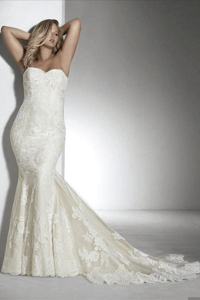 Kanten jasje bruidsjurk
